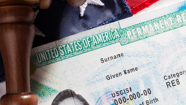 Lịch sử của thẻ Xanh – thẻ thường trú nhân Mỹ