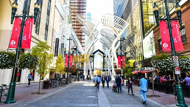 Dân số định cư Canada đang tăng theo diện thường trú nhân