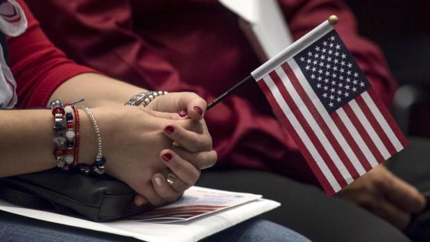 Làm sao để tình trạng thường trú nhân Mỹ được duy trì